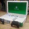 Crean una consola que deja jugar PS4 y Xbox One