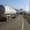 Invías restringe tránsito de vehículos de carga desde este viernes hasta el domingo 5 de abril