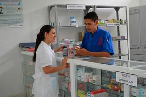 Docentes de Regencia en Farmacia adelantan proyecto que incentiva uso adecuado de medicamentos