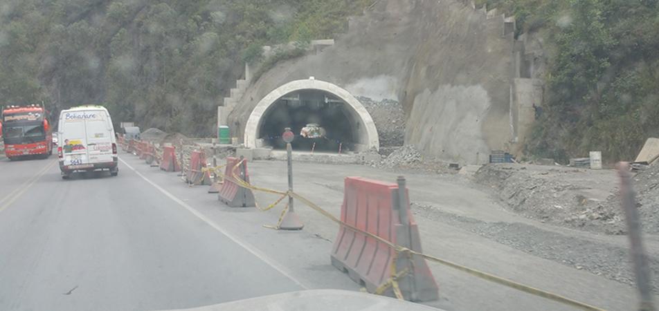 Ante incumplimiento en obras de doble calzada no debe haber alza en peajes en vía Bogotá-Villavicencio