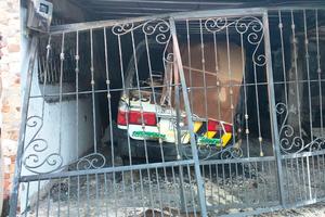 Dos heridos, dos viviendas destruidas y dos automotores incinerados deja incendio en Villavicencio