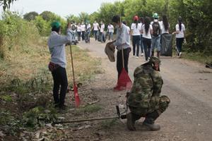 Con la siembra de 3 mil plántulas contribuyen a la reforestación de áreas urbanas en Puerto López