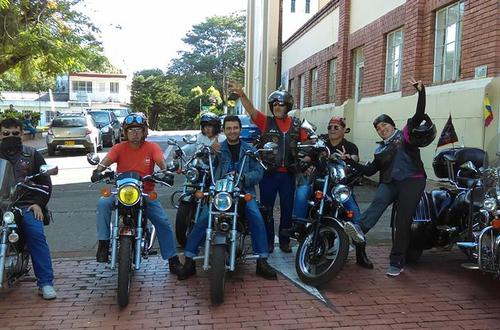 En moto llevarán ayudas desde Villavicencio a niños de la Guajira