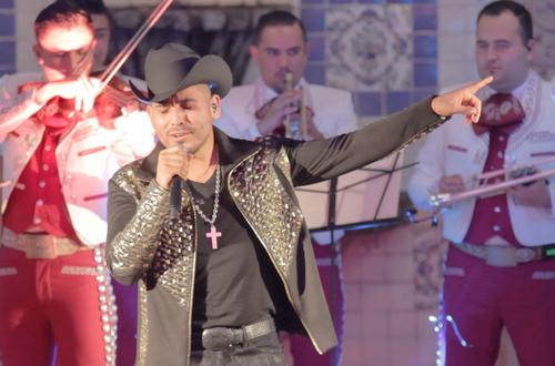 'Que mal te va sin mí', nuevo sencillo de Espinoza Paz