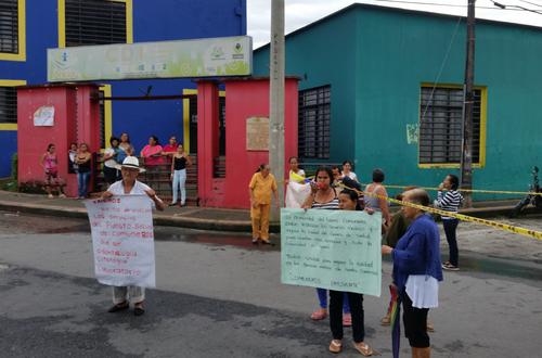 Bloqueo en vía de Comuneros por protesta ciudadana
