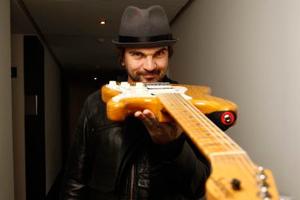 Juanes regresa a la escena musical con 'Fuego'