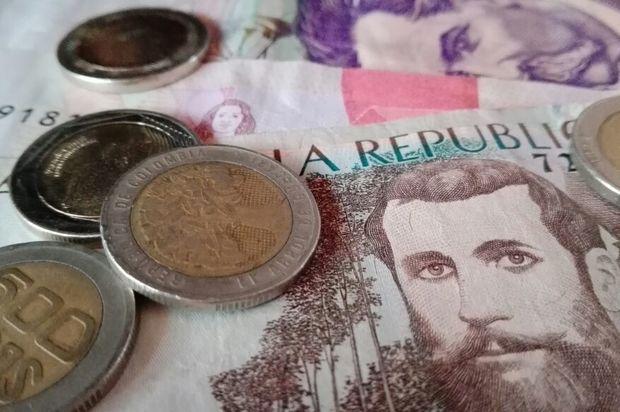 Salario mínimo podría aumentar en 42.200 pesos para el 2018