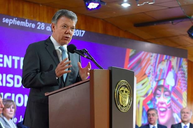 Santos plantea que reforma a la justicia salga de un gran acuerdo nacional