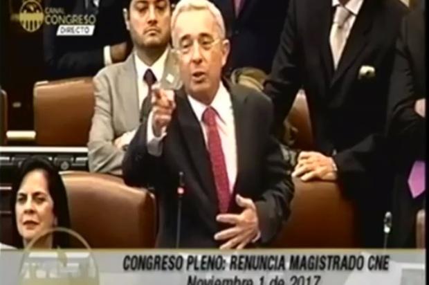 """Así reaccionó el Senador Uribe tras la candidatura de """"Timochencko"""""""