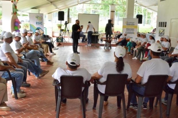 """""""Misión Felicidad"""" para líderes comunitarios del Meta"""