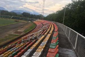 Habilitada tribuna oriental para partido de Llaneros
