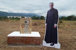 Se instaló la primera piedra para la nueva sede de la Uniminuto