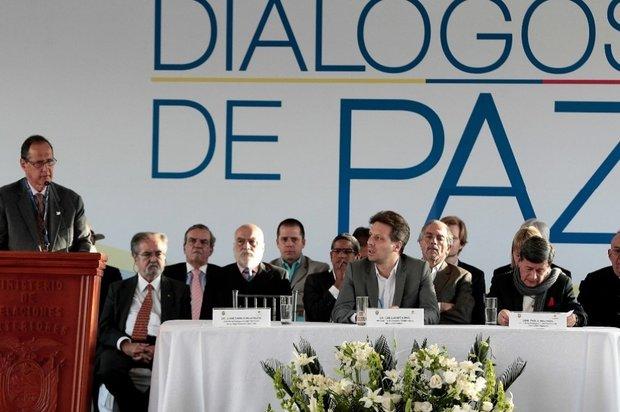 ELN expresa su intención de no levantar negociación del proceso de paz