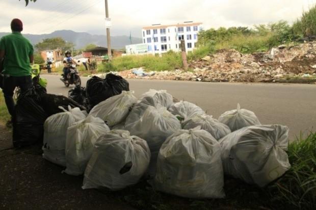 Jornada de limpieza en el barrio el Jordán de Villavicencio