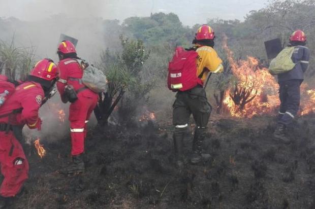El incendio en la Sierra de la Macarena se logra controlar en un 85%