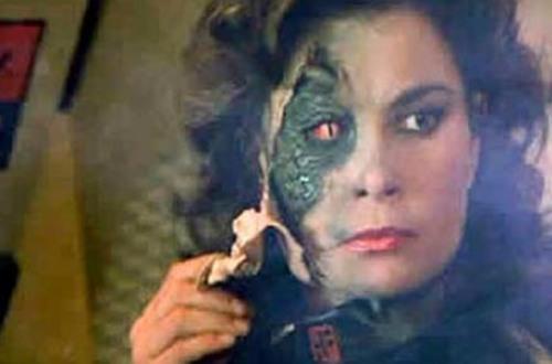 """El extraño caso médico de la mujer que veía caras de """"reptilianos"""""""