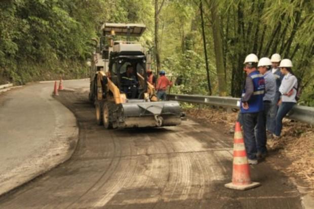 Comenzaron trabajos de reparación en la antigua vía a Restrepo