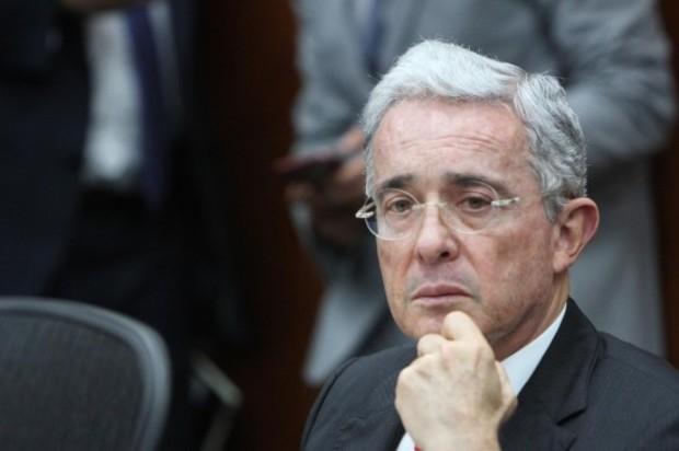 Uribe asegura que tienen lista orden para privarlo de la libertad