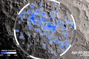 En los polos de la Luna, hay agua