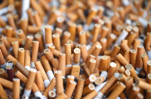 Las colillas de cigarro son el mayor problema del océano