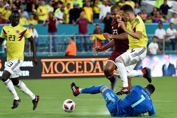 Con goles de Falcao  y Chará, Colombia venció 2-1 a Venezuela