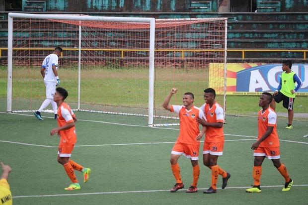 Llaneros F.C defendió su casa y se mantiene en los ocho