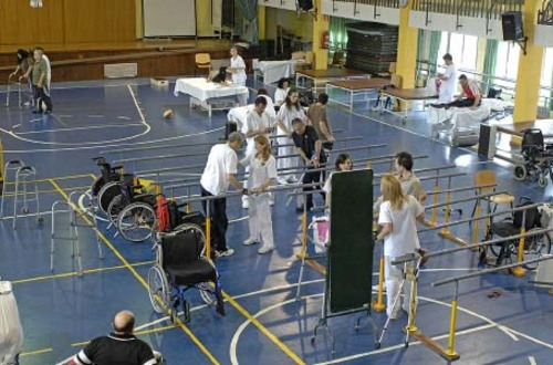 Personas parapléjicas podrían volver a caminar con una nueva terapia