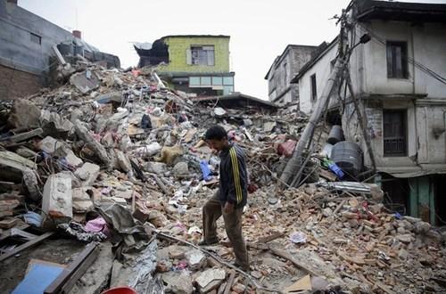 Alerta de tsunami, terremoto de 7.5 grados sacudió Idonesia