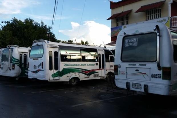 Planton de conductores de buses hoy en Villavicencio