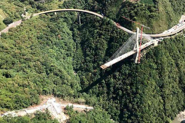 Se conocerá el nuevo diseño para la reconstrucción del puente Chirajara
