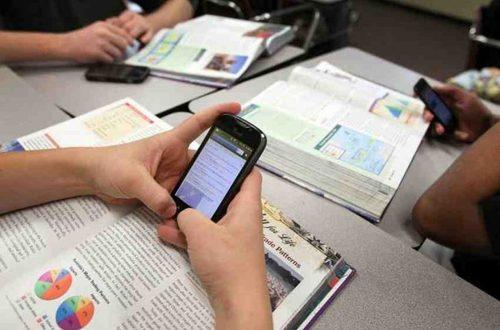 Aprueban en primer debate proyecto para prohibir celulares en colegios