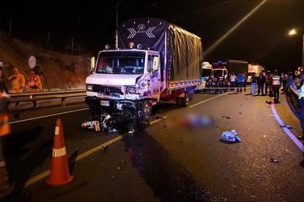 Grave accidente en la vía a Bogotá dejó un menor de edad muerto