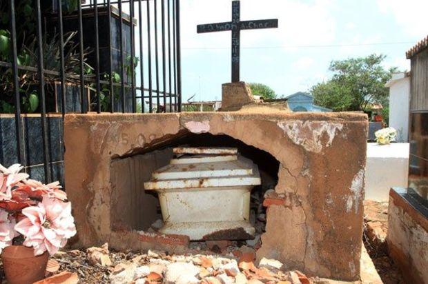 Alerta en Colombia por aumento en profanación de tumbas en Hallowen