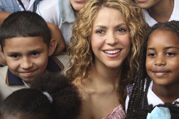 Shakira critica las políticas de educación del Gobierno colombiano
