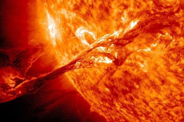 Por primera vez en la historia, crean combustible solar líquido