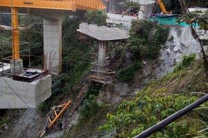 Nueva tragedía en la vía Bogotá-Villavicencio, colapsó otra estructura