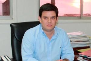 Alejandro Lyons inhabilitado 15 años por repartirse plata de las regalías