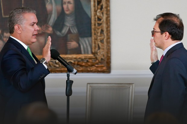 Asume nuevo Fiscal General en Colombia