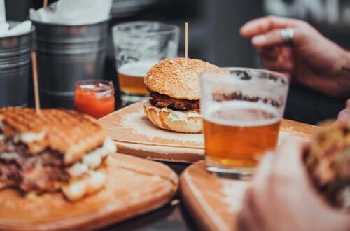 ¿Nuevo horario para funcionamiento de bares?