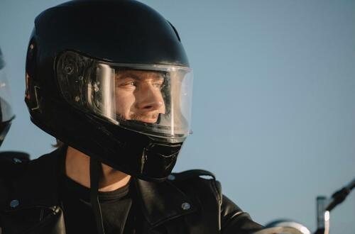 ¿Cumplen con la norma del uso del casco en Villavicencio?