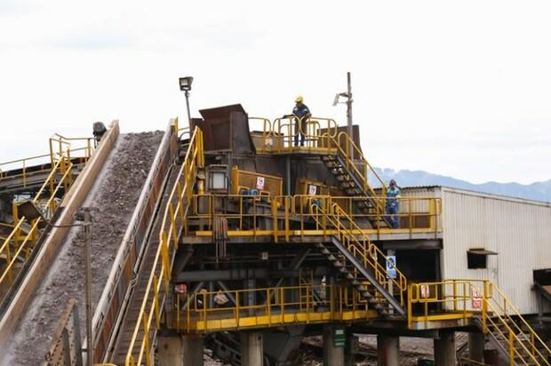 Inauguran moderna planta de acero en el país