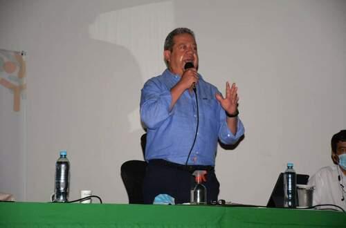 En UCI permanece gobernador del Huila