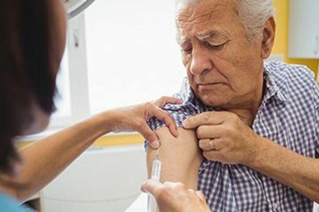 Hoy,  inicia inmunización de adultos de 60 a 64 años