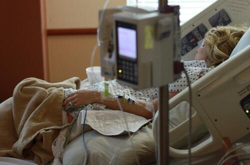El 70 y 85 % de hospitalizados tuvo posibilidad de vacunarse