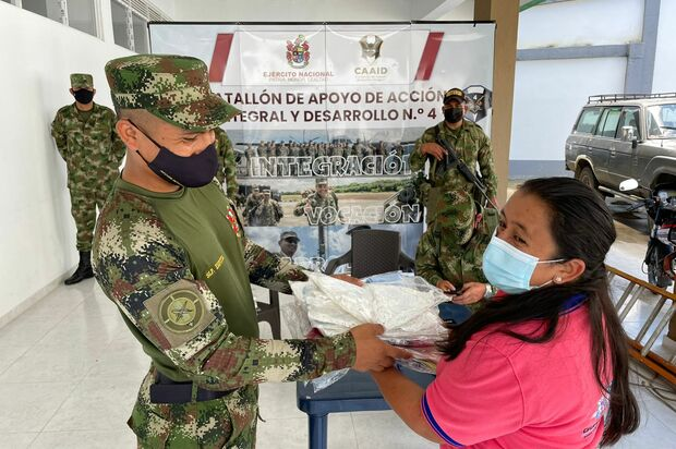 Ejército brinda apoyo  a damnificados de Guayabetal