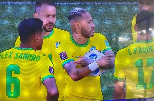 Qué pasó en el clásico sumericano Brasil-Argentina