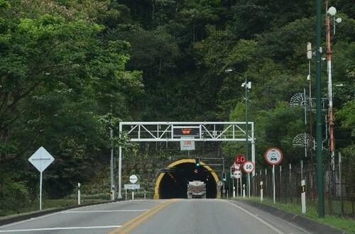 Viajeros podrán transitar durante restricción vehicular