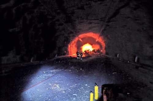 Cierre total en la vía al llano por accidente en túnel