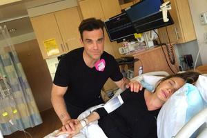 El cantante Robbie Williams documenta los momentos tediosos antes del parto de su mujer